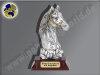 Pferdekopf mit Lorbeerkranz | 3D-Resin-Pokal, Multicolor (handbemalt), 21x12,5 cm