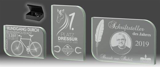 B338.0   3er Glaspokal-Serie inkl. edler Samt-Gift-Box, Transparent, mit Laser-Gravur, 12,5x8,5-14,5x9,5-17,5x11,5 cm (inkl. Personalisierungskosten)